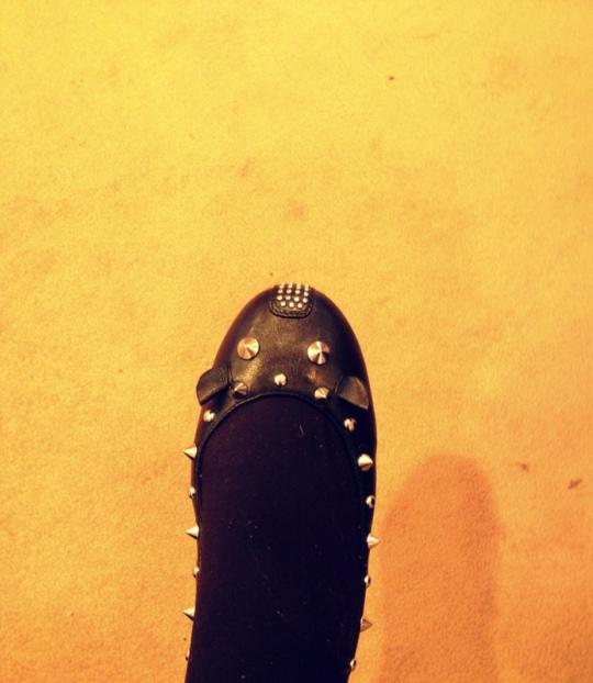 Ballerinas aus Leder mit Nieten von Marc Jacobs